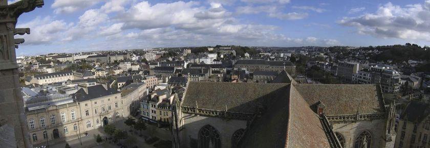 Quimper d'en haut : Montée de la flèche sud de la cathédrale